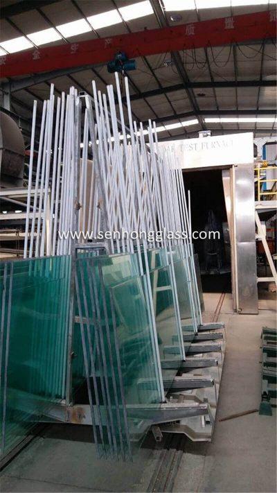 Chine fabricant de verre trempé de 19 mm testant à la chaleur