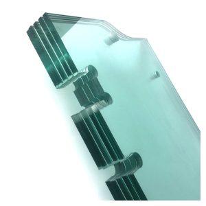 verre trempé avec découpes pour charnières
