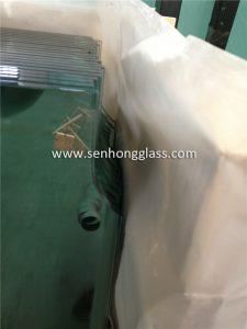 Porte en verre trempé de 10 mm avec découpe